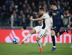No asomó AV25, CR7 anotó un golazo y el United silenció Turín (VIDEO)