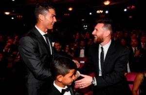 ¡Cristiano Junior confesó que su ídolo es Messi!