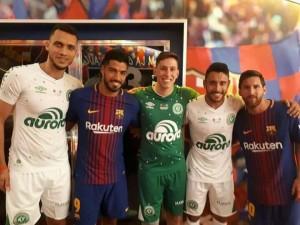 ¡Honraron al Chape en Barcelona! (VIDEOS)