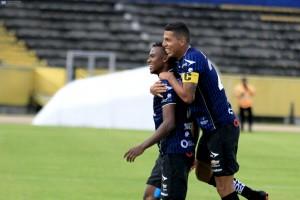 Dixon Arroyo confirma contactos con el Bombillo y revela que también tiene opciones en Brasil