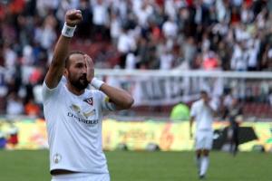 No olvida del todo el 'Pirata' al 'Rey de Copas' (FOTO)