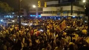 ¡Carnaval en las calles por el Ídolo del Astillero! (VIDEO)