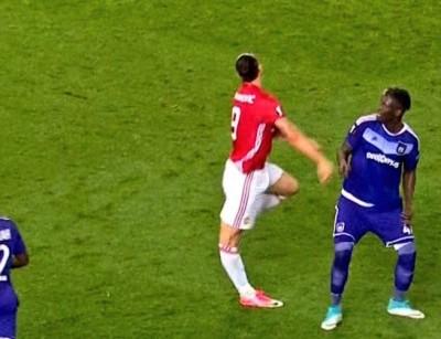 Zlatan Ibrahimovic lesión