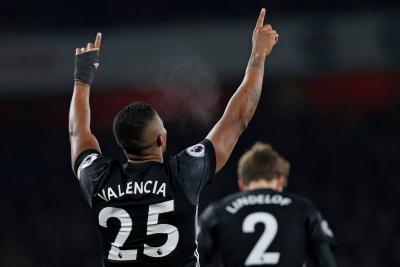 Antonio Valencia 23