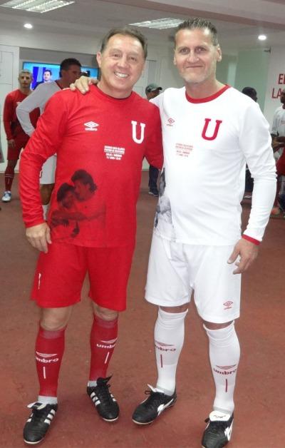 Alex Aguinaga y Carlos Berrueta