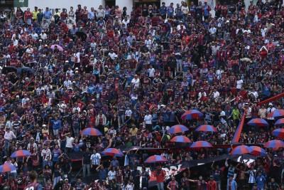 Hinchada Quito 4