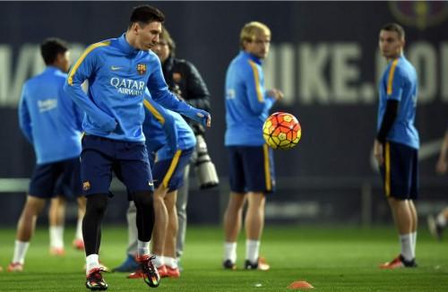 Otro ejemplo de la puntería de Messi (VIDEO)