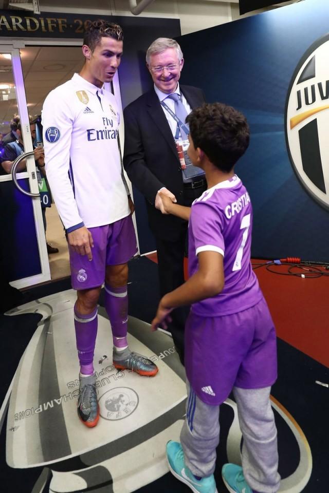 Cristiano Ronaldo e hijo 3
