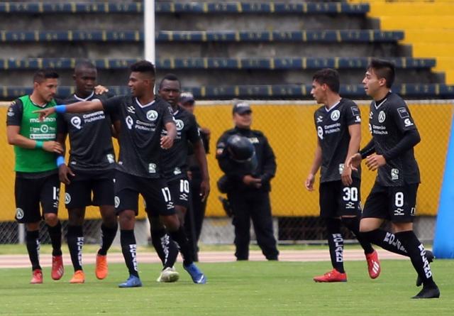 America Quito 15