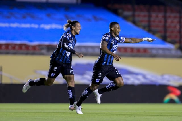 Antonio Valencia 16