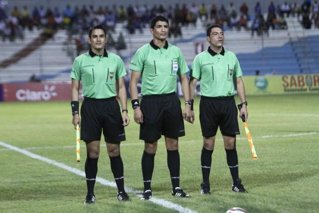 Arbitro Diego Lara