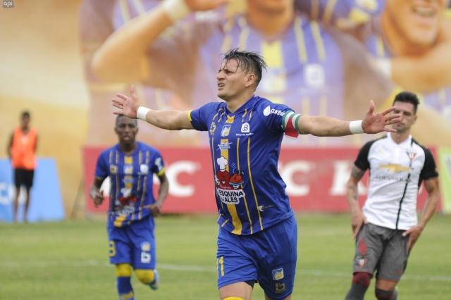 Carlos Garcés 12