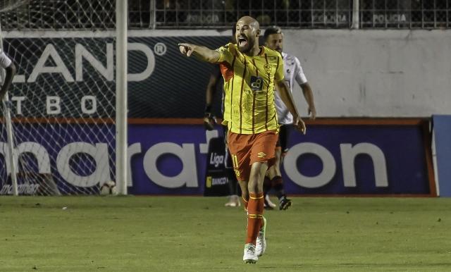 Juan Tévez 5