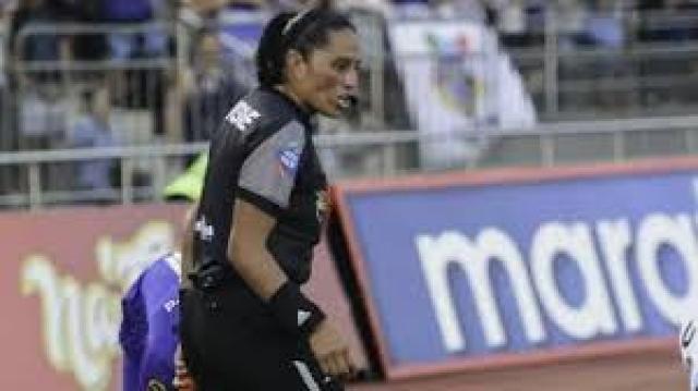 Arbitro Maria Cornejo