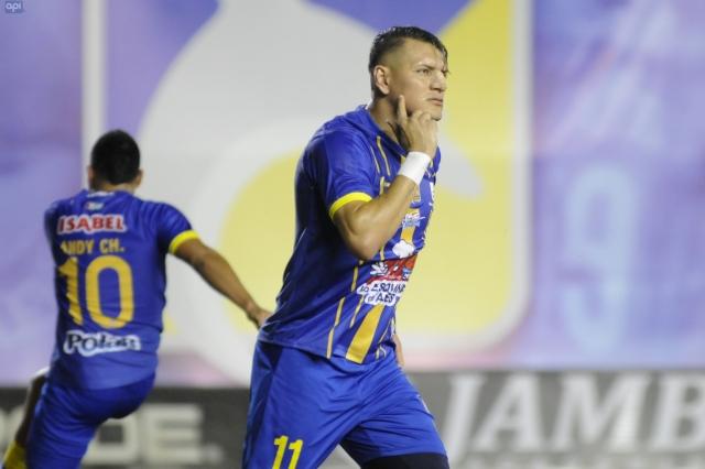 Carlos Garces 9