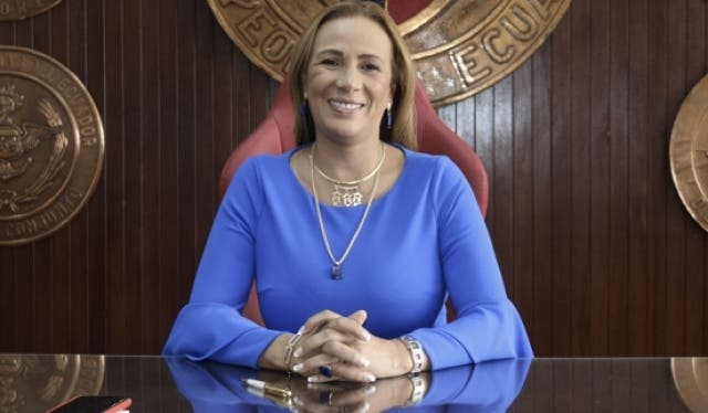 Lucia Vallecilla 3