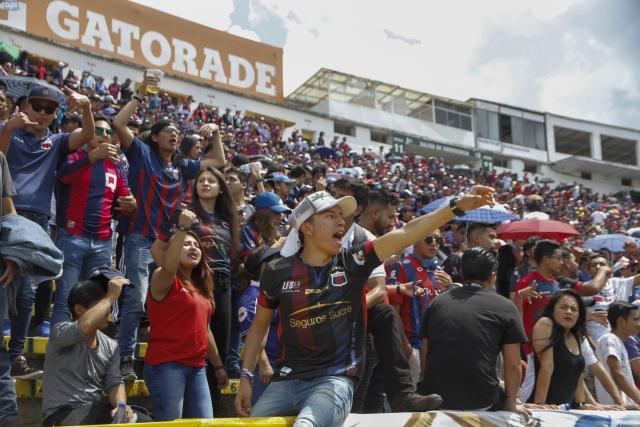 Hinchada Quito 6