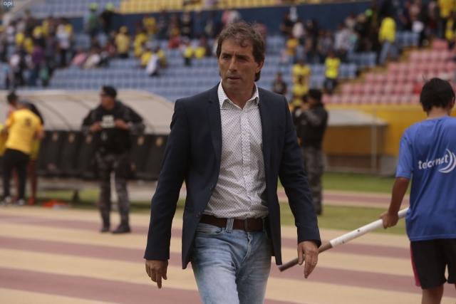 Guillermo Almada 9