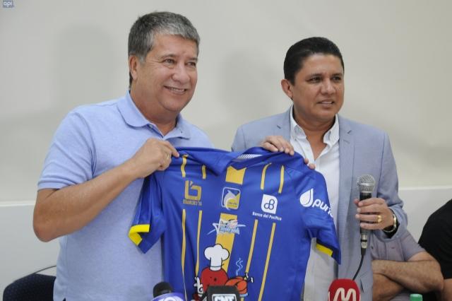 Bolillo Gómez 3