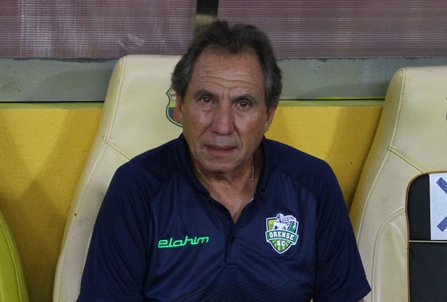 Patricio Lara 4