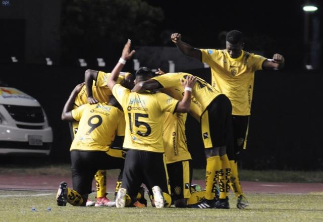 Fuerza Amarilla 18