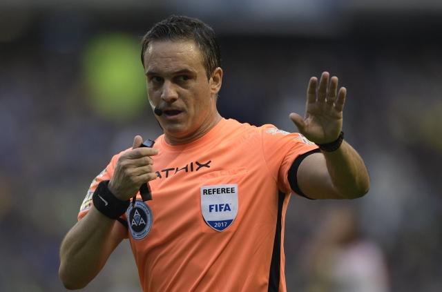 arbitro Patricio Loustau