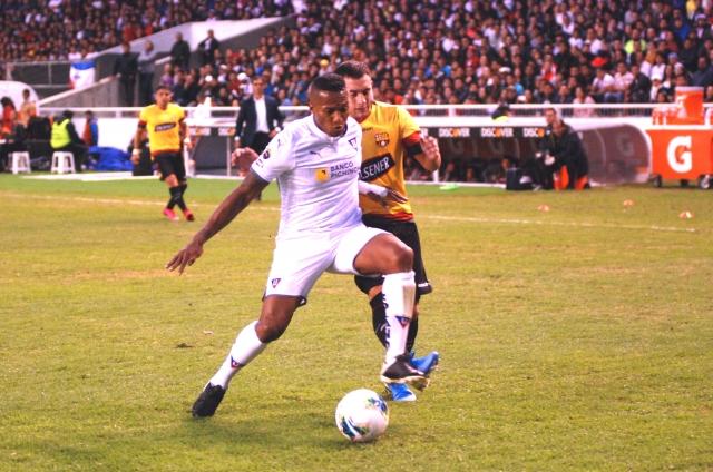 Antonio Valencia 9