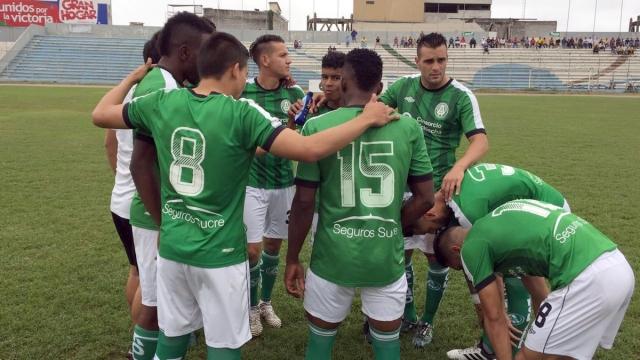 America Quito 3