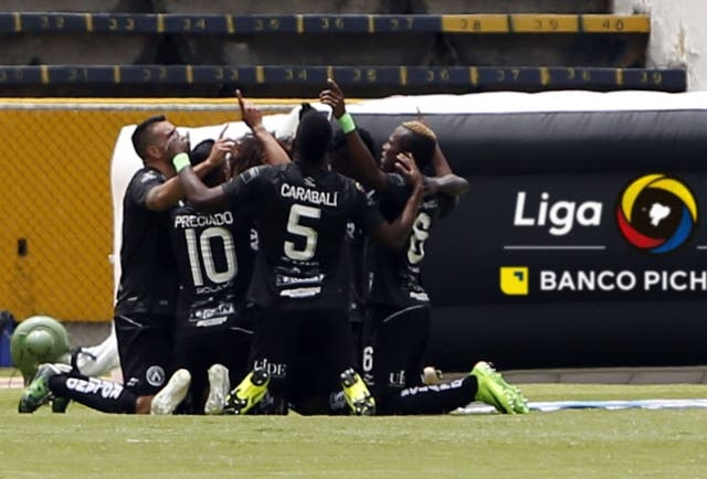 America Quito 11