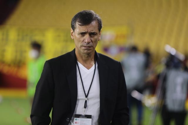 Fabian Bustos 27