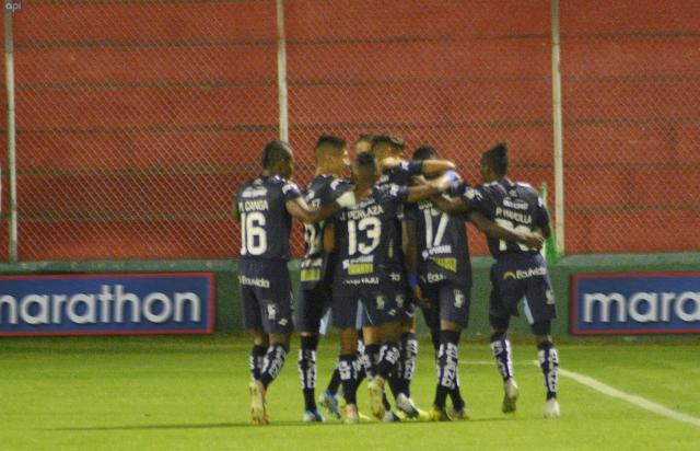 Futbolecuador Com Festeja Con El Equipo De La Ciudad Oficial