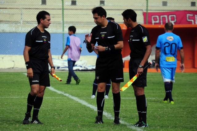 Arbitro Vinicio Espinel 2
