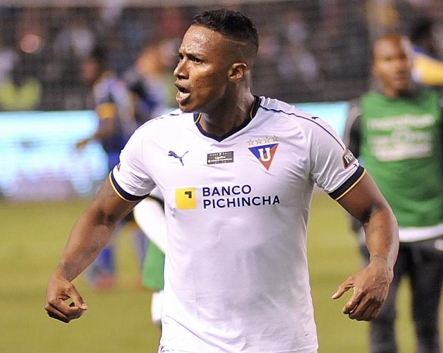 Antonio Valencia 35