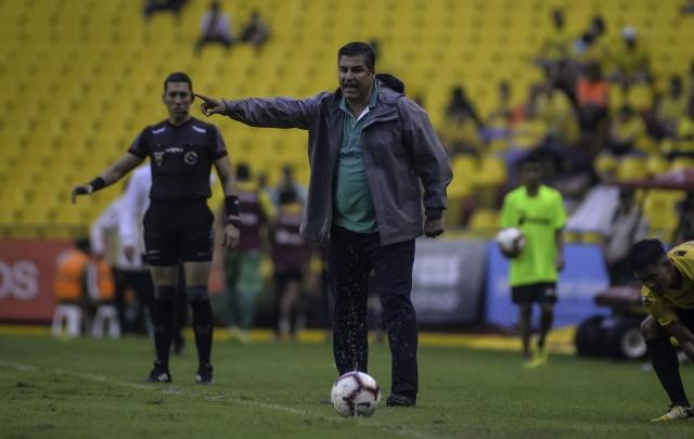 Santiago Escobar 16