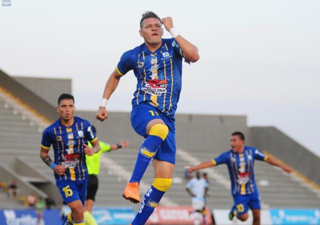 Carlos Garces 13