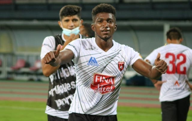 Lenny Caicedo 3