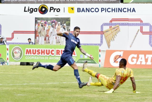 Luis Amarilla 8