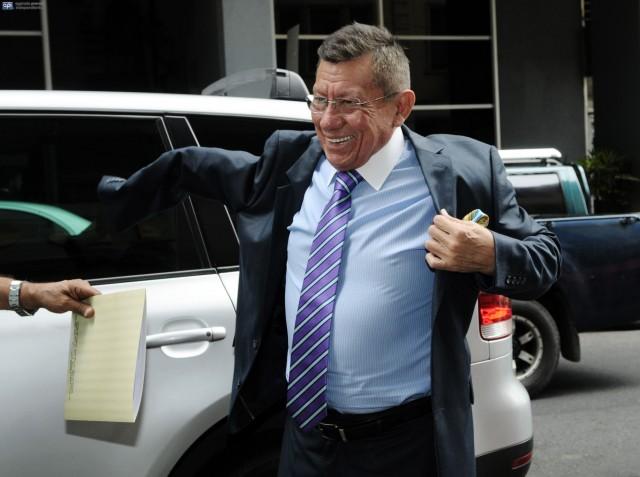 Carlos Villacís 4