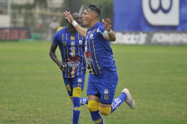 Carlos Garces 10