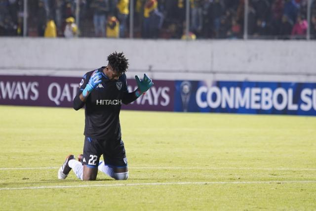 Alexander Domínguez 3