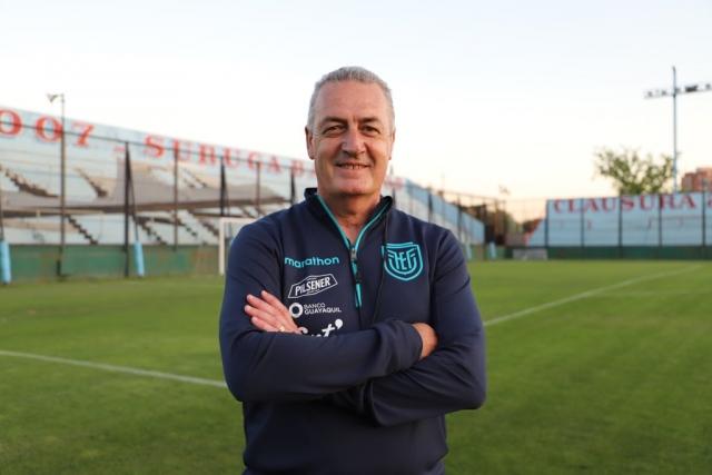 Gustavo Alfaro 6