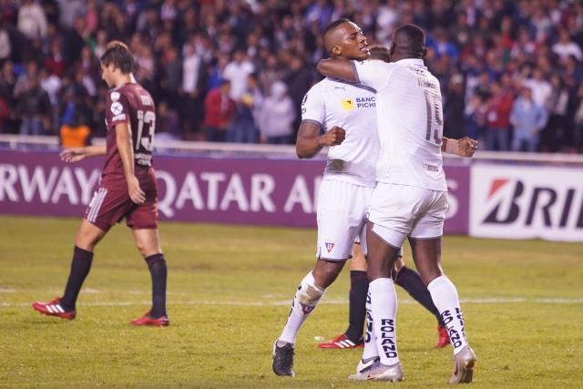 Antonio Valencia 7