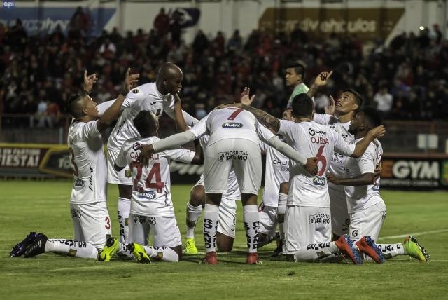Deportivo Cuenca 8
