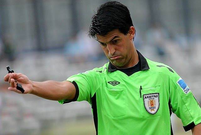 arbitro Leodan Gonzalez