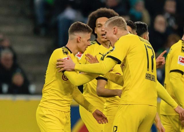 Borussia Dortmund 8