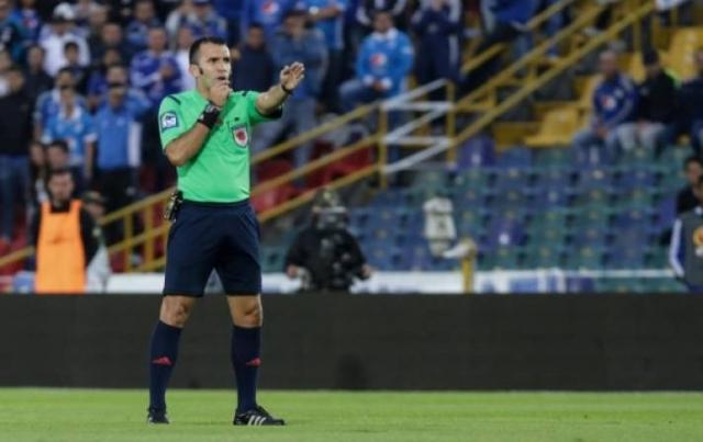 Arbitro Carlos Betancur