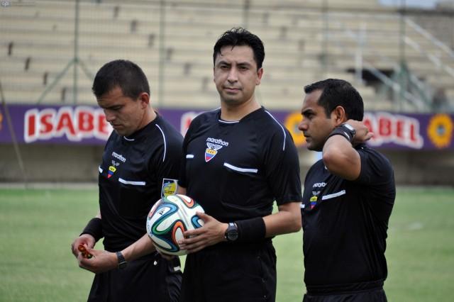 Arbitro Vinicio Espinel