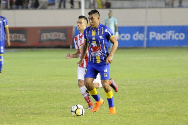 Andres Chicaiza 7