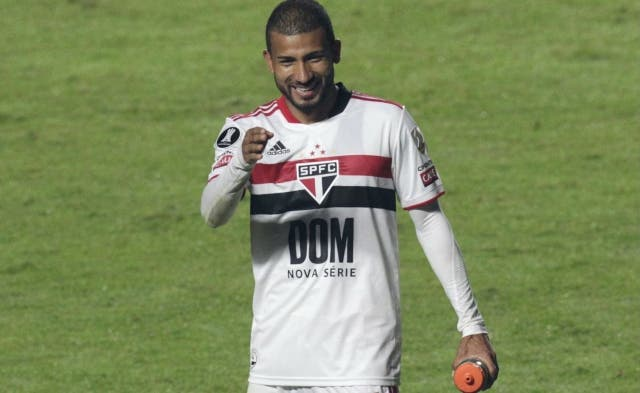 Joao Rojas 7