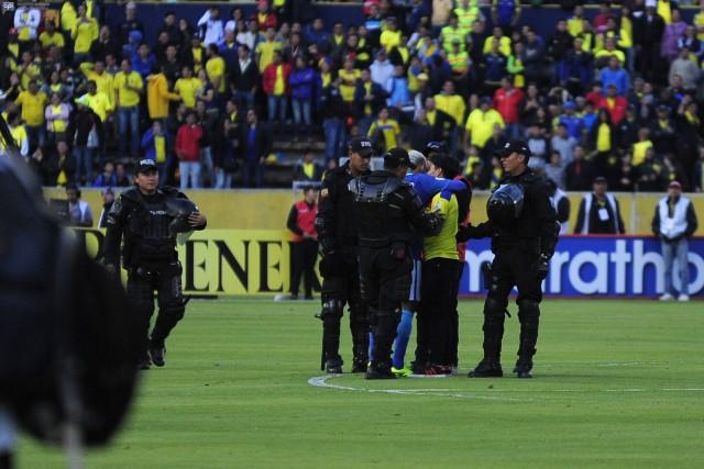 Neymar e hincha ecuatoriano